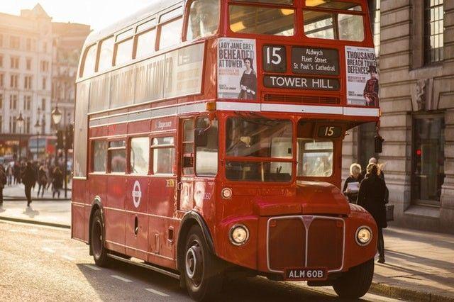 viaja en autobús, consejos para disfrutar tus vacaciones de forma diferente