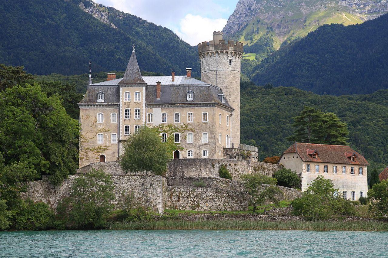 intercambio-de-casa-en-annecy-castillo-726765_1280