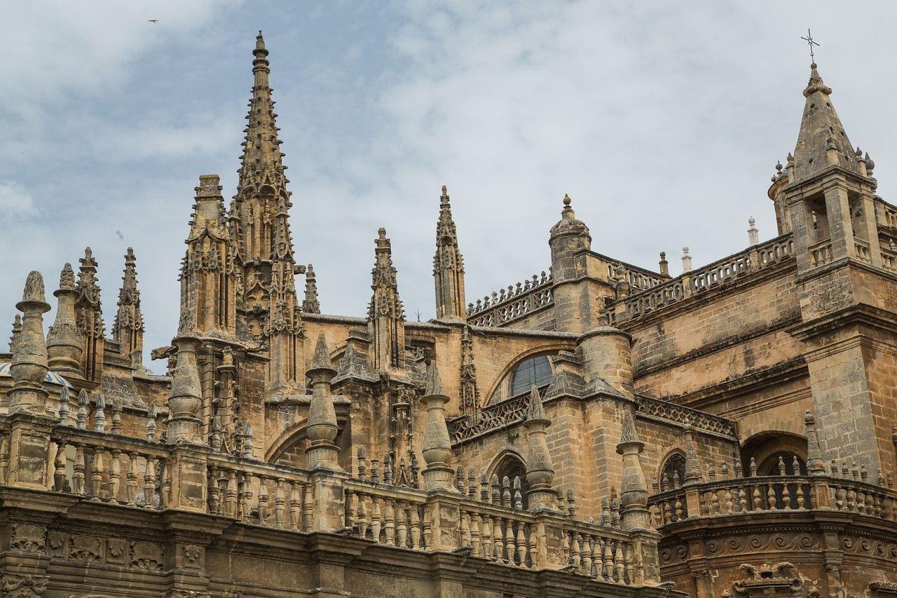 catedral-que-ver-en-sevilla-1630295_1280