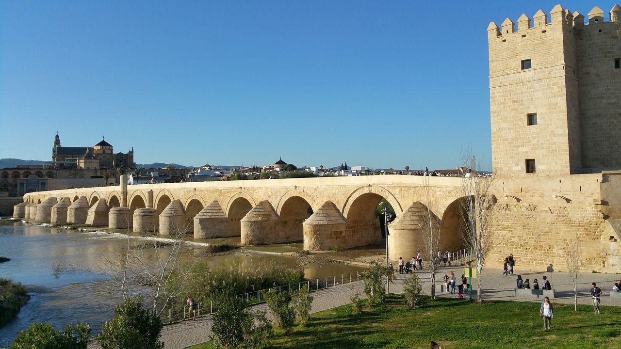 que-visitar-en-cordoba-puente-romano-calahorra-1541632_1280