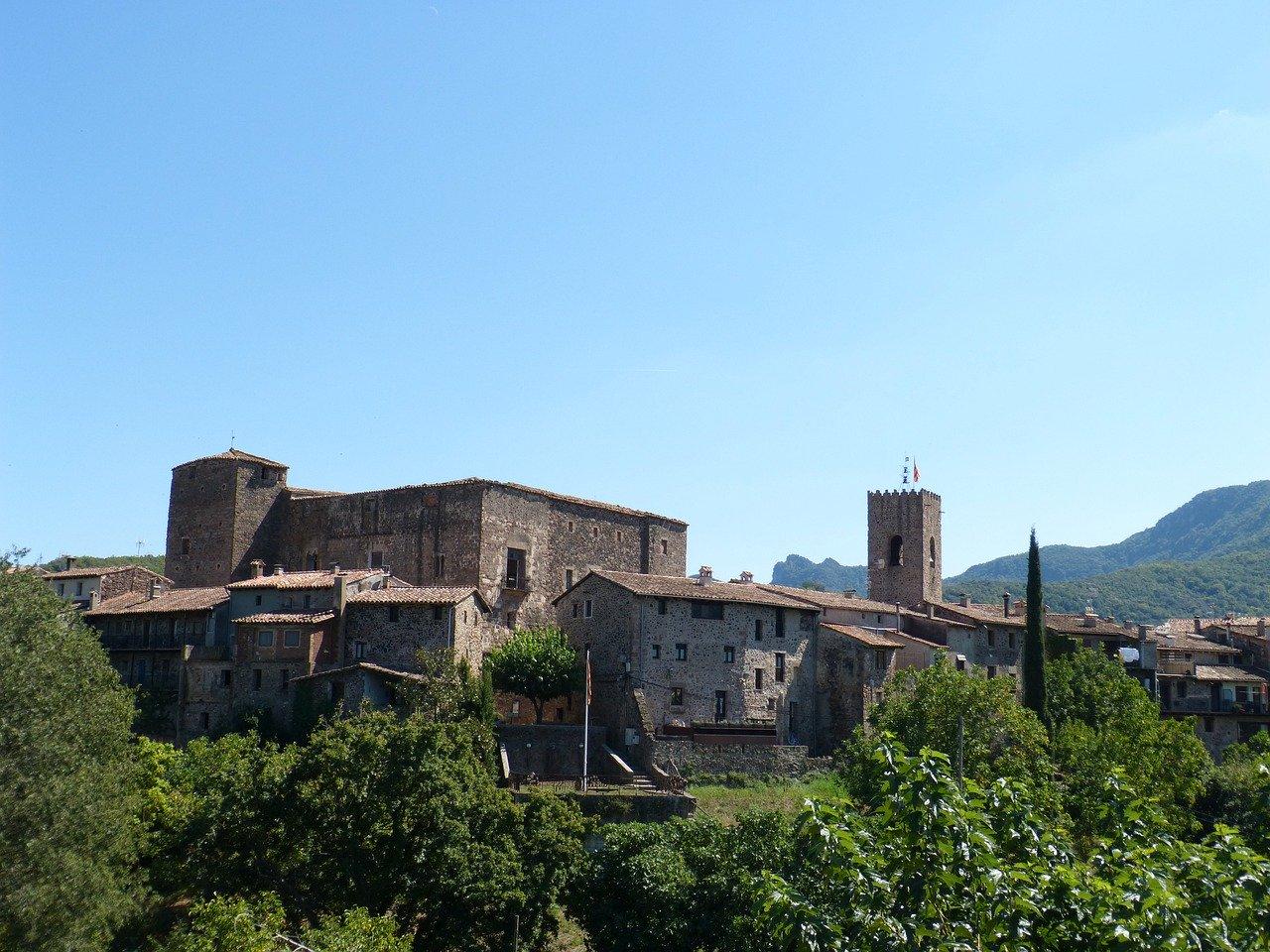Alt Santa-Pau_La-Garrotxa_Girona_Catalun-a, title Santa-Pau_La-Garrotxa_Girona_Catalun-a