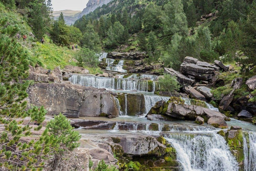 Alt Ordesa-parque-nacional-cascada, title Ordesa-parque-nacional-cascada