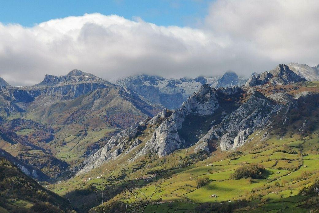Alt Picos-de-Europa_Vacaciones-en-la-montan-a, title Picos-de-Europa_Vacaciones-en-la-montan-a