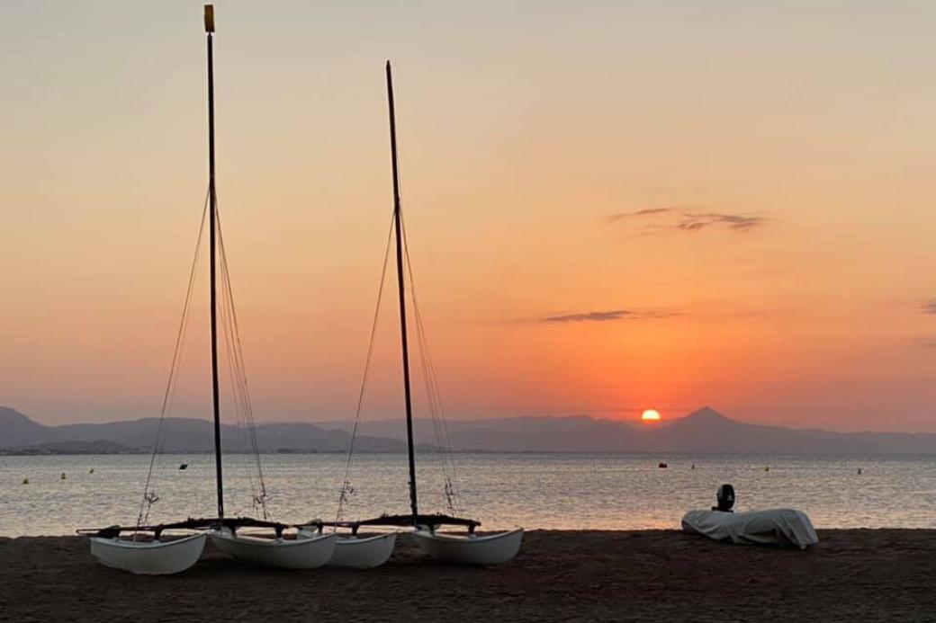 Alt puesta-de-sol-denia-comunidad-valenciana-vacaciones-recomendaciones-locales-homeexchange, title puesta-de-sol-denia-comunidad-valenciana-vacaciones-recomendaciones-locales-homeexchange