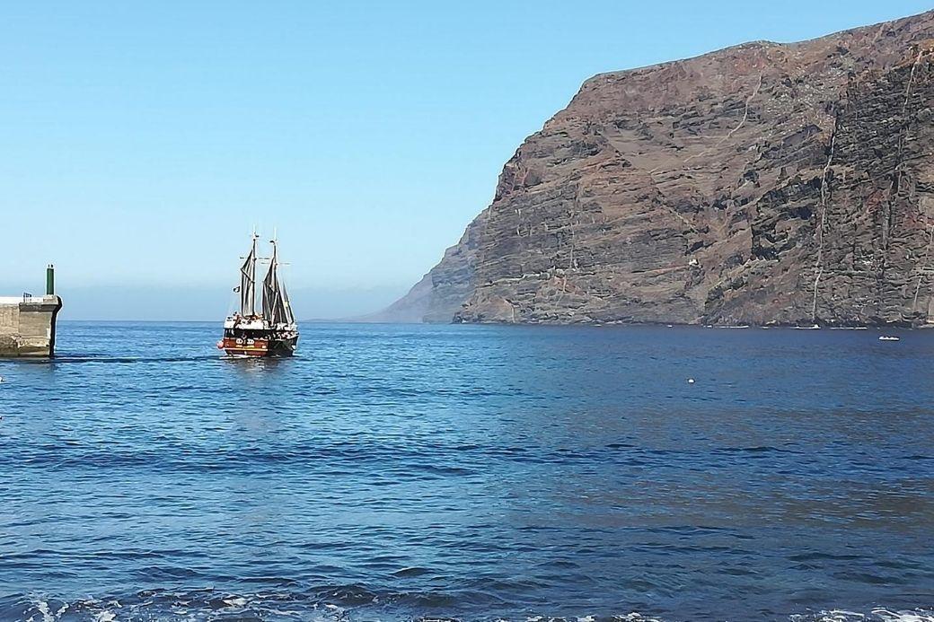 Alt Acantilado-de-los-Gigantes_Tenerife_Canarias_mar_galeon, title Acantilado-de-los-Gigantes_Tenerife_Canarias_mar_galeon