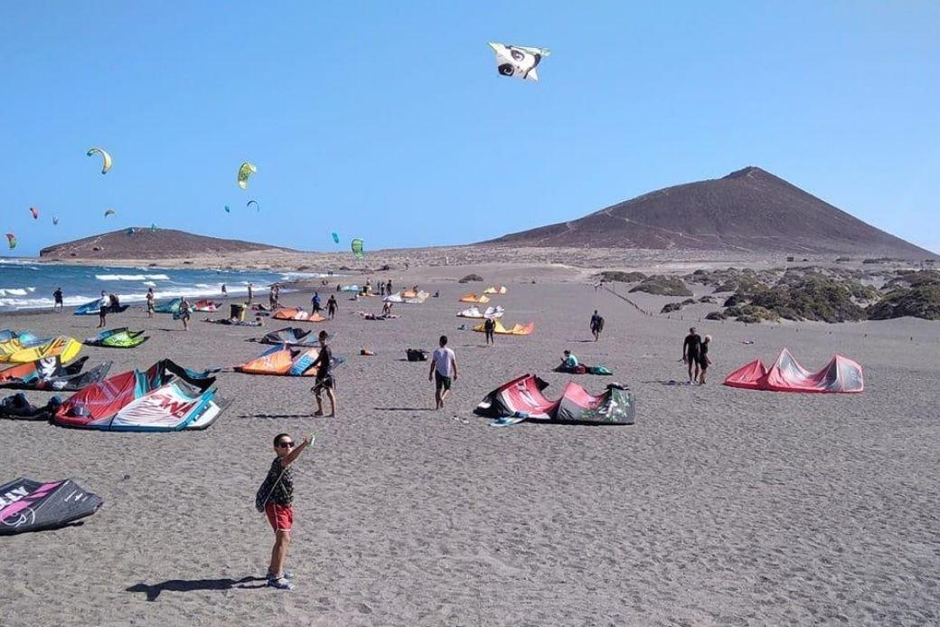 Alt Medano_Tenerife_Windsurf_playa, title Medano_Tenerife_Windsurf_playa