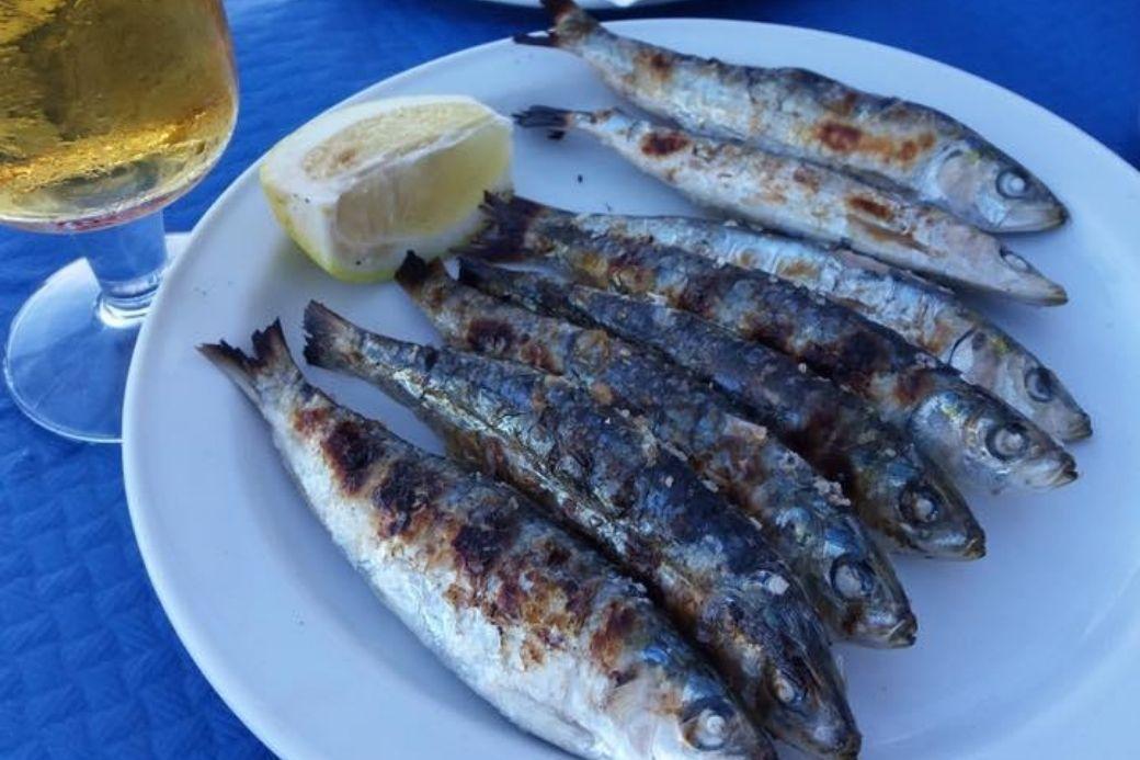 Alt vacaciones-en-andalucia_espeto_sardinas, title vacaciones-en-andalucia_espeto_sardinas
