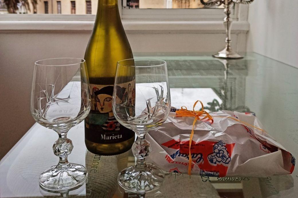 Alt souvenirs_intercambio-de-casas_botella_bienvenida, title souvenirs_intercambio-de-casas_botella_bienvenida