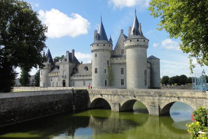 alt Castillo_viajes-semana-santa_Borgon-a_francia, title Castillo_viajes-semana-santa_Borgon-a_francia