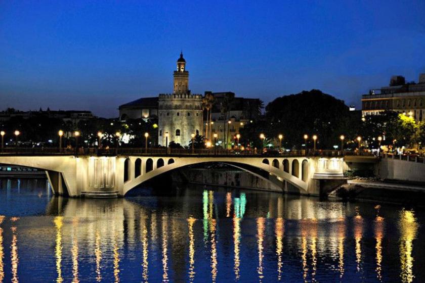 alt Viajes-Semana-Santa_Sevilla_intercambio-de-casas, title Viajes-Semana-Santa_Sevilla_intercambio-de-casas
