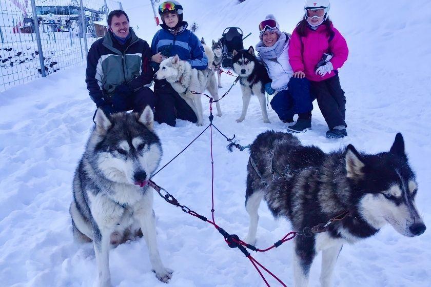 alt Trineo-de-perros_nieve_vacaciones-de-invierno_HomeExchange, title Trineo-de-perros_nieve_vacaciones-de-invierno_HomeExchange