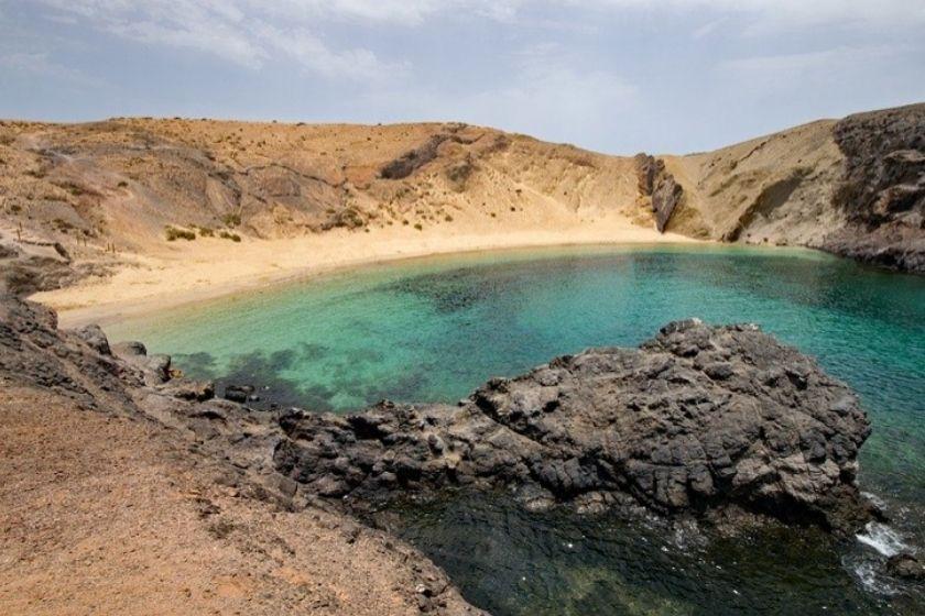 alt papagayo-lanzarote-mejores-playas-de-espan-a-canarias-HomeExchange, title papagayo-lanzarote-mejores-playas-de-espan-a-canarias-HomeExchange