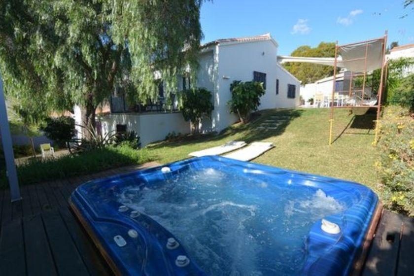 alt vacaciones-en-familia_malaga_piscina_intercambio-de-casas, title vacaciones-en-familia_malaga_piscina_intercambio-de-casas