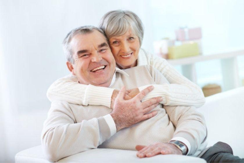 alt viajar-con-abuelos_pareja_intercambio-de-casas_HomeExchange, title viajar-con-abuelos_pareja_intercambio-de-casas_HomeExchange