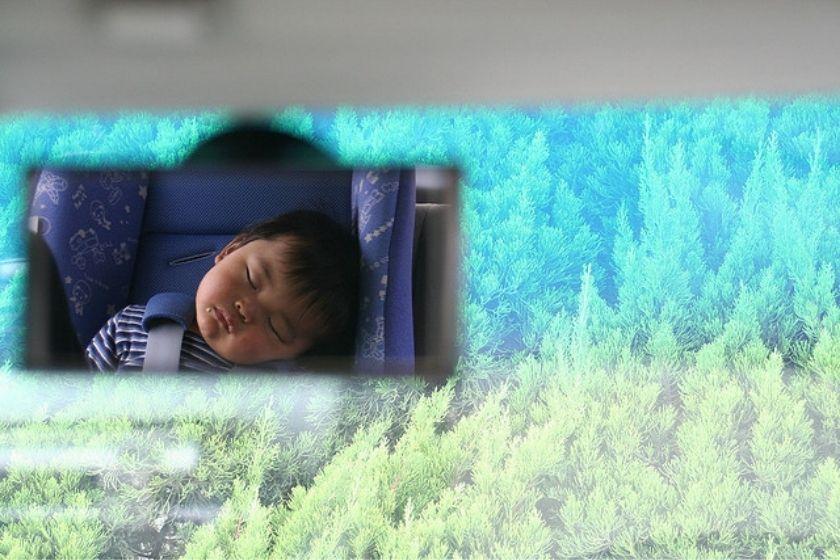 alt viajar-con-ninos_coche_dormir_intercambio-de-casas, title viajar-con-ninos_coche_dormir_intercambio-de-casas